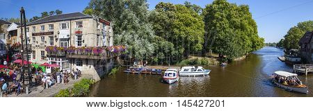 OXFORD UK - AUGUST 12TH 2016: A beautiful panoramic view of the River Cherwell and the Head of the River Public House in the historic city of Oxford on 12th August 2016.