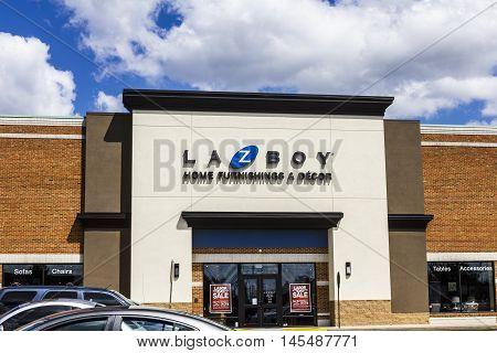 Indianapolis - Circa September 2016: La-z-boy Retail Location. La-z-boy Is A Furniture Manufacturer