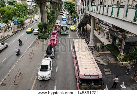 Bangkok October 2015- congested traffic in Thanon Sukhumvit near the Skytrain line