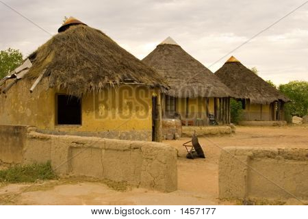 African Village, Traditional African Huts