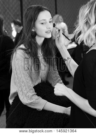 Bcbgmaxazria - Backstage - Fall 2016 Collection