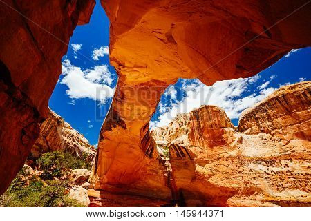 Natural Arch, Hickman Bridge, Capitol Reef National Park, Utah, Usa