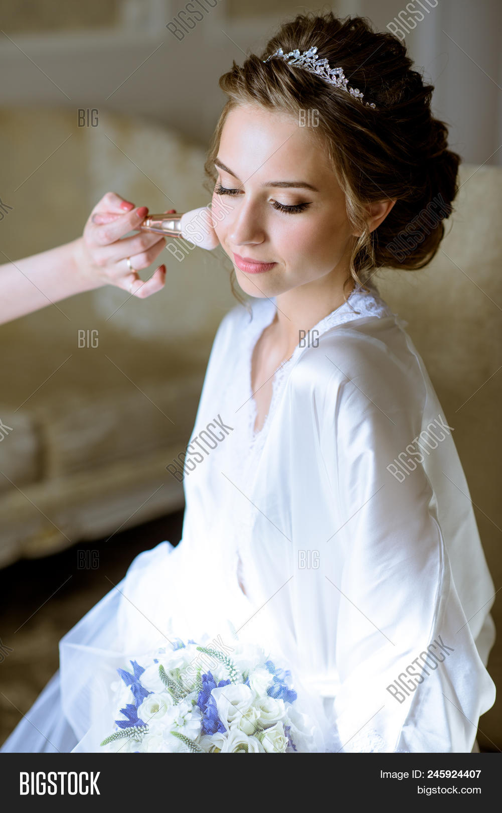 Wedding Makeup Artist Image Photo Free Trial Bigstock