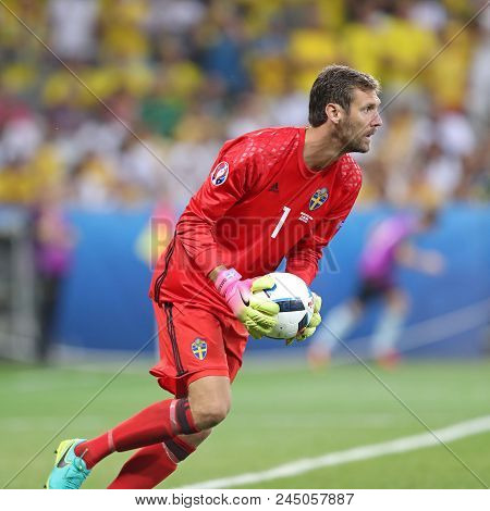 Nice, France - June 22, 2016: Goalkeeper Andreas Isaksson Of Sweden In Action During The Uefa Euro 2