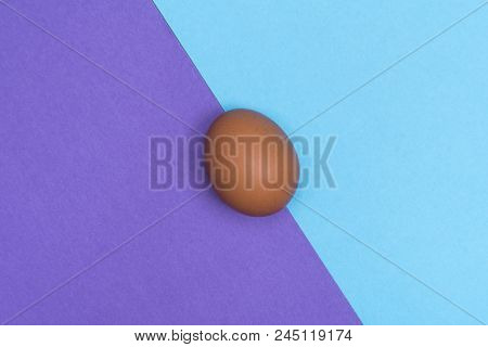 An Egg In The Middle Of A Two-color Surface