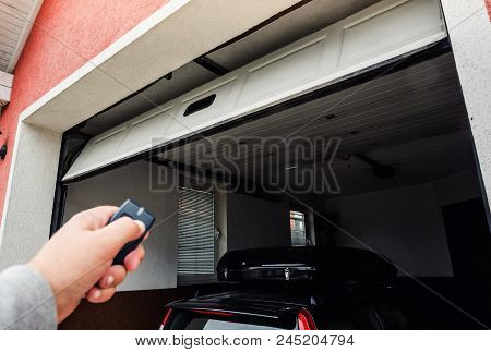 Hand Use Remote Controller For Closing And Opening Pvc Garage Door.