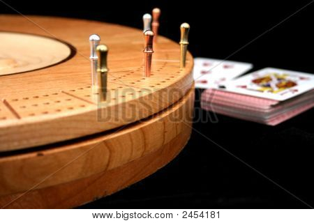 Cribbage Board With Pegs