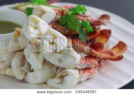 Steamed Crab Meat Prepared For Ready To Eat. Fresh Crab Meat Served With Thai Style Hot And Spicy Di