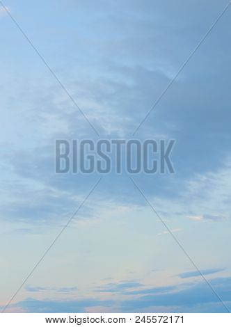 Sky With Vertically Vertical Clouds For A Mobile Backdrop