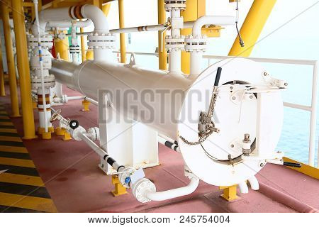 Pig Launcher In Oil And Gas Industry, Cleaning Pipe Line Equipment In Oil And Gas Industry, Clean Up