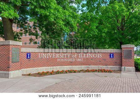 Entrance Sign To Univ Ersity Of Illinois