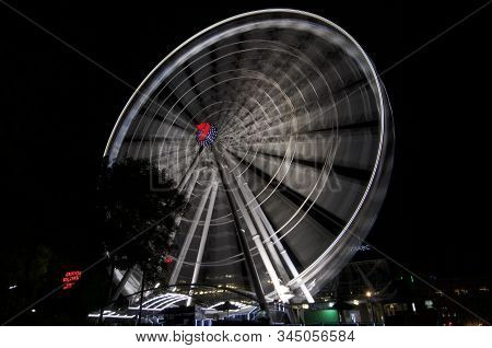 Brisbane, Queensland, Australia - 11th December 2019 : Long Exposure Of The Wheel Of Brisbane (also