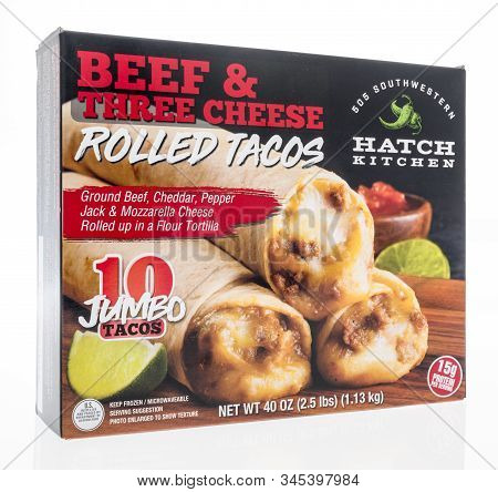 Winneconne, Wi - 5 January 2019 : A Package Of 505 Southwestern Hatch Kitchen Beef And Three Cheese