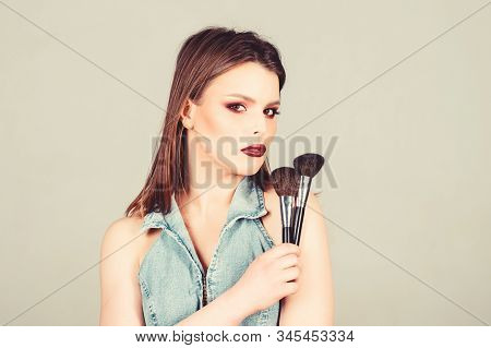 Sexy Woman With Professional Make Up Brush. Fashion Makeup Visage. Sexy Woman With Long Hair, Style.