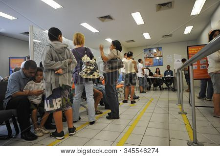 Rio, Brazil - October 03, 2010: Long Queues In The Halls For Voting In The Brazilian Elections In Th