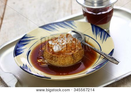 vietnamese flan, banh flan, vietnamese custard pudding