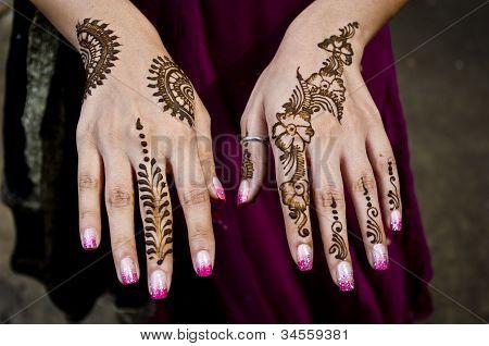 Indian Henna application artwork