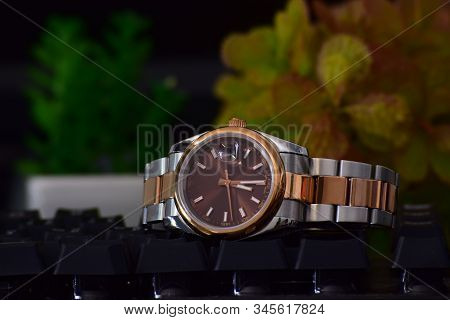 Luxury Watches Placed On The Floor Regarded As A Reward Of Success