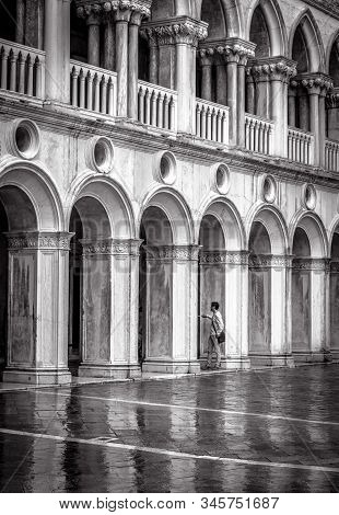Venice, Italy - May 20, 2017: Doge`s Palace Or Palazzo Ducale In Black And White. It Is Famous Touri