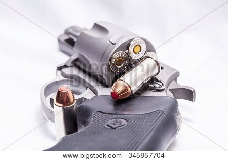 Pittsburgh, Pennsylvania, Usa 1/17/20 A Charter Arms Bulldog 44spl Revolver Loaded With Red Tipped H