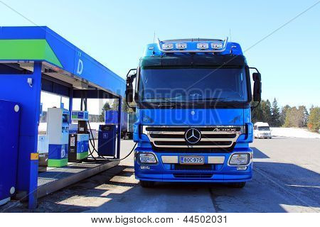 Blue Mercedes Benz Actros Heavy Duty Truck