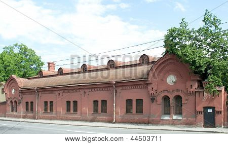 Count Orlov's stables