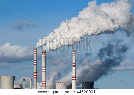 Huge White Smoke From Coal Power Plant