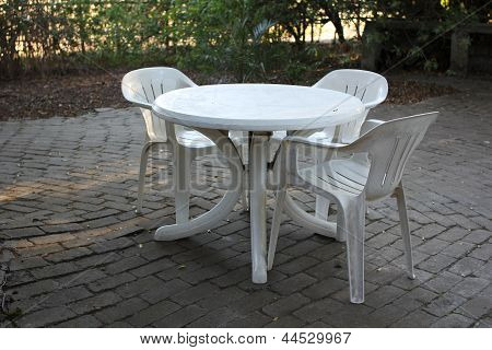 Plastic Table With Plastic Chairs