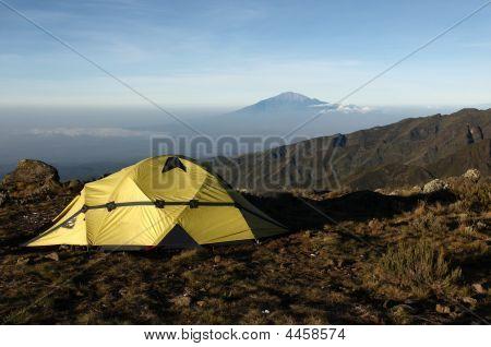 Blick vom Mount Kilimanjaro auf einem Berg meru