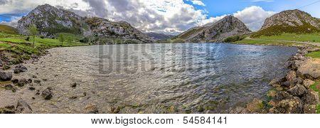 Enol Lake Panoramic