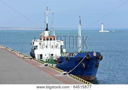 Bunker ship (fuel replenishment tanker)