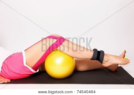 Physioteraphy exercise for injured leg