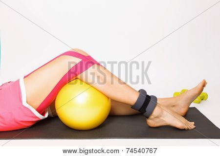 Exercise For Injured Knee With Kinesio Tape