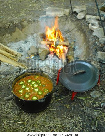 Camp chille, bean soup