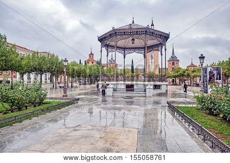 ALCALA DE HENARES, MADRID, SPAIN. November 5, 2016. view of the Cervantes square in the rain