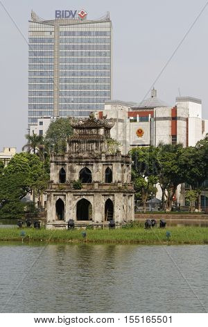 Hanoi, Vietnam, Octobre 22, 2016 : Pagoda On Hoan Kiem Lake In Hanoi Old Quarter (also Called Lake O