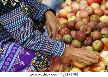 Coc Ly, Vietnam, October 25, 2016 : People At Work On The Tuesday Market Of Coc Ly, A Small Village