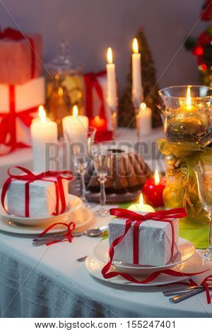 Enjoy Your Meal With Familly At Christmas Table