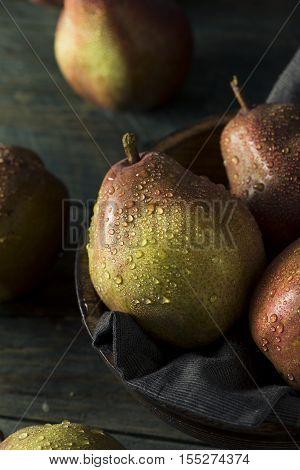 Raw Organic Red Anjou Pears