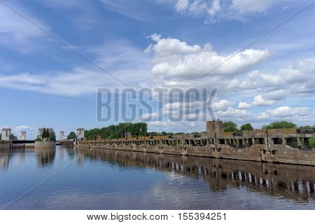 Gorodets,, Russia. - June 2.2016. View From The River Mooring On The Wall For The Queue At The Entra
