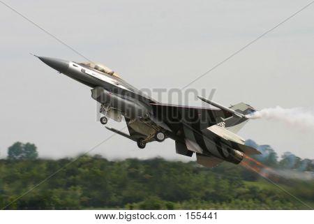F16 Takeoff
