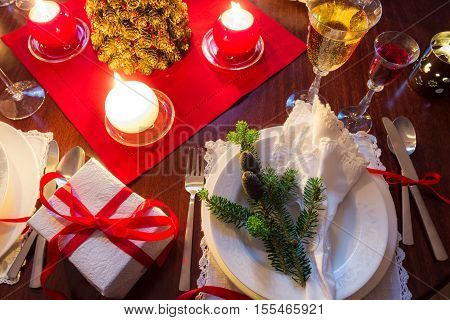Free place at the Christmas table at night