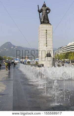 Seoul - October 21, 2016: Statue Of Admiral Yi Sunsin On Gwanghwamun Plaza In Seoul, South Korea.