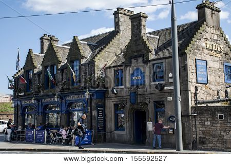 Scotland United Kingdom Edinburgh 14.05.2016 - Daily life People in the Streets Sitting in Ryrie Pub