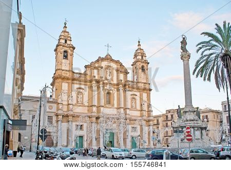 PALERMO ITALY - OCTOBER 2 2012: St Dominic Church located in the same named square in the neighborhood of La Loggia next to the central city streets on October 2 in Palermo.