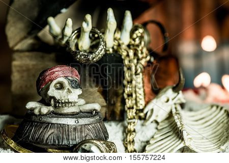 pirate and treasure, Columbus Day, death and gold
