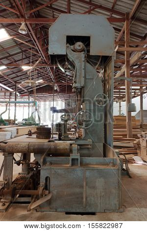 Vertical bandsaws machine in factory, band saw
