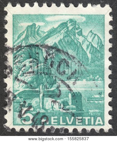 MOSCOW RUSSIA - CIRCA OCTOBER 2016: a post stamp printed in SWITZERLAND shows Pilatus the series