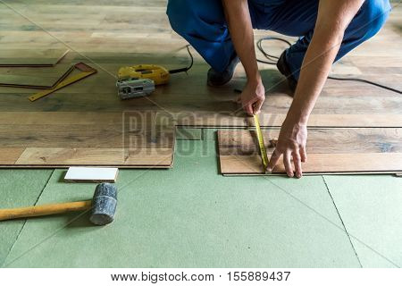 instruments for installing laminate floor