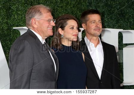LOS ANGELES - NOV 9:  Robert Zemeckis, Marion Cotillard, Brad Pitt at the